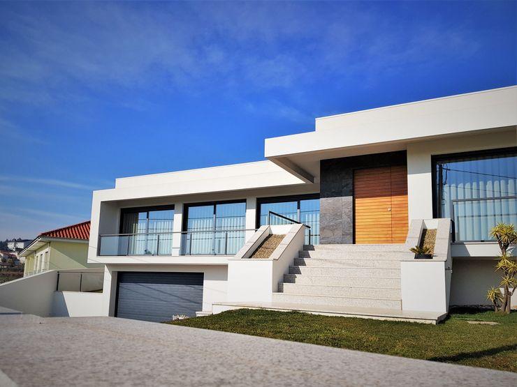 Jesus Correia Arquitecto Modern Houses Bricks White