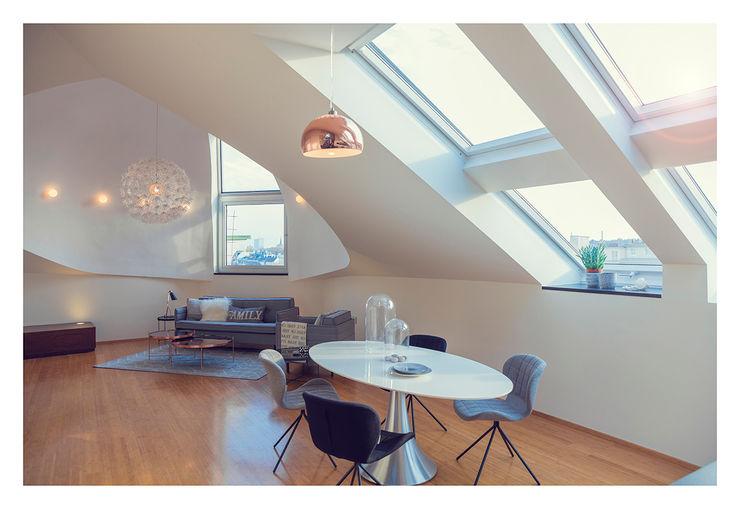 Home Staging einer Wohnung in 1140 Wien die zu VERKAUFEN ist !!! VIENNA HOME STAGING Moderne Esszimmer
