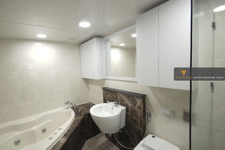 얀코인테리어 Phòng tắm phong cách hiện đại