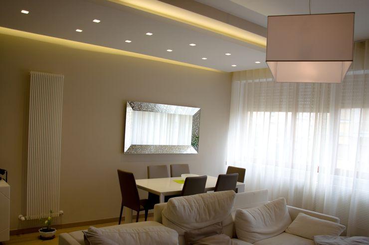 Colore e Design Studio ARCH+D Soggiorno moderno