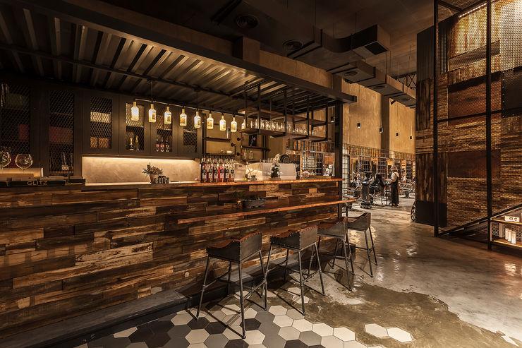 舒服的吧檯和醒目的展示櫃 漢玥室內設計 商業空間 大理石 Brown