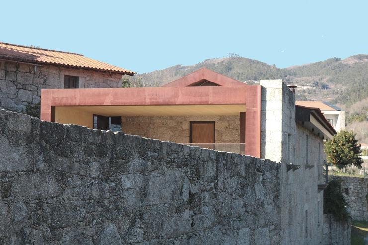 Casa no Gerês Atelier Vyasa Casas unifamilares Pedra