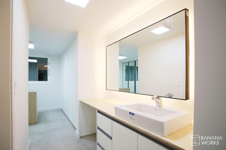 압구정 현대 아파트 인테리어 리모델링(52py) 바나나웍스 모던스타일 드레싱 룸 유리 화이트