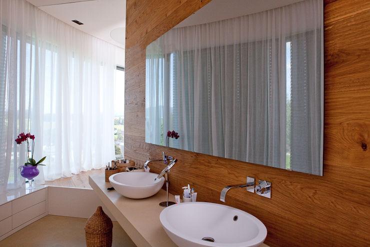Natur im Bad durch Holz homify Ausgefallene Badezimmer Holz