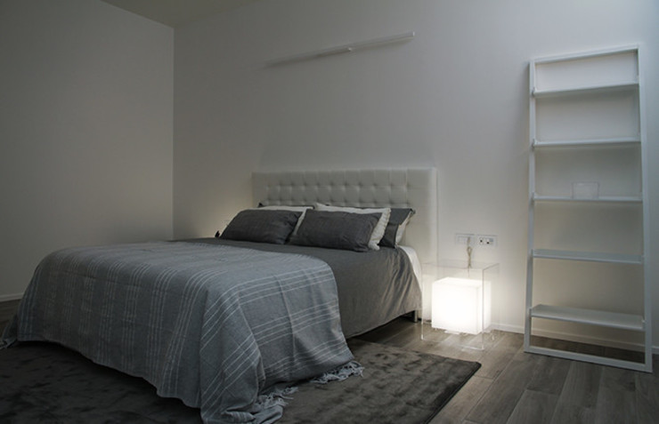 ABITAZIONE MILANO INTERNI CDA studio di architettura Camera da letto moderna