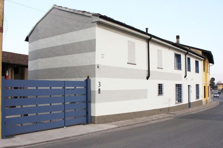 Casa con corte atelier architettura Case moderne