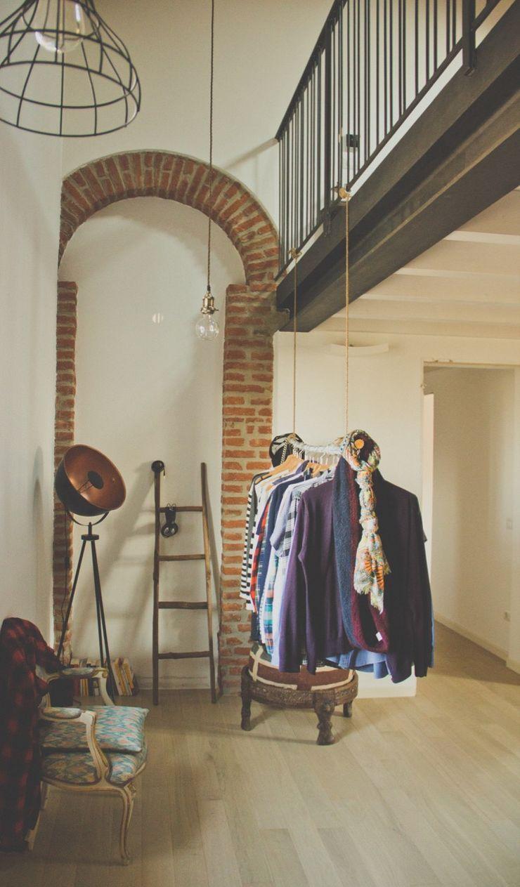 Casa unifamiliare in campagna atelier architettura Ingresso, Corridoio & Scale in stile rurale