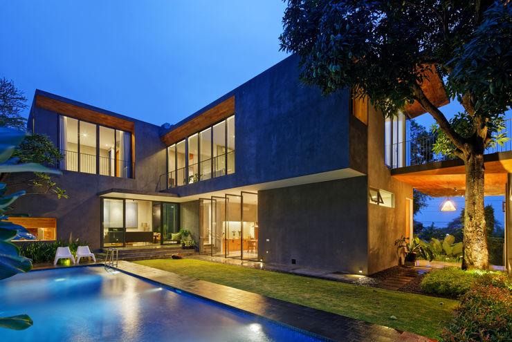 Tamara Wibowo Architects 트로피컬 주택 콘크리트