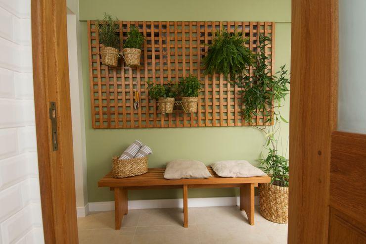 Circulação Cozinha TS Projetos Paredes e pisos clássicos Madeira maciça Verde