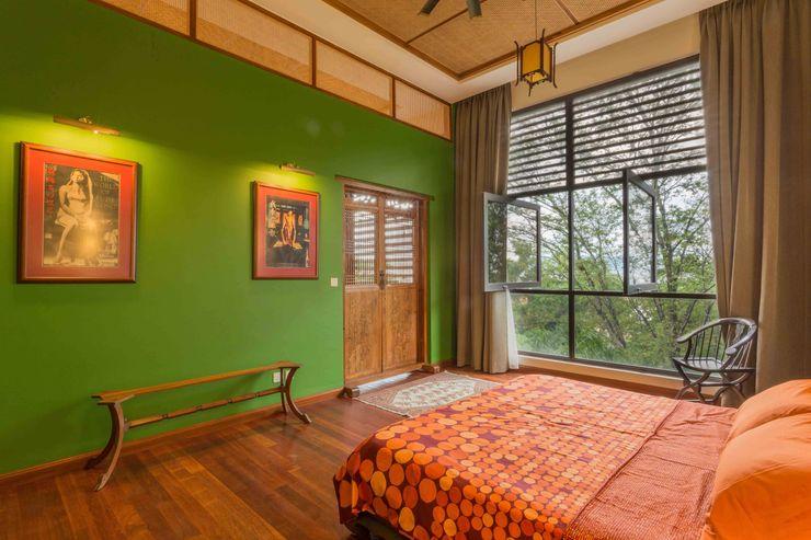 MJ Kanny Architect غرفة نوم