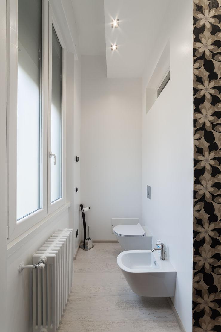 Appartamento in villa Annalisa Carli Bagno eclettico Legno Variopinto