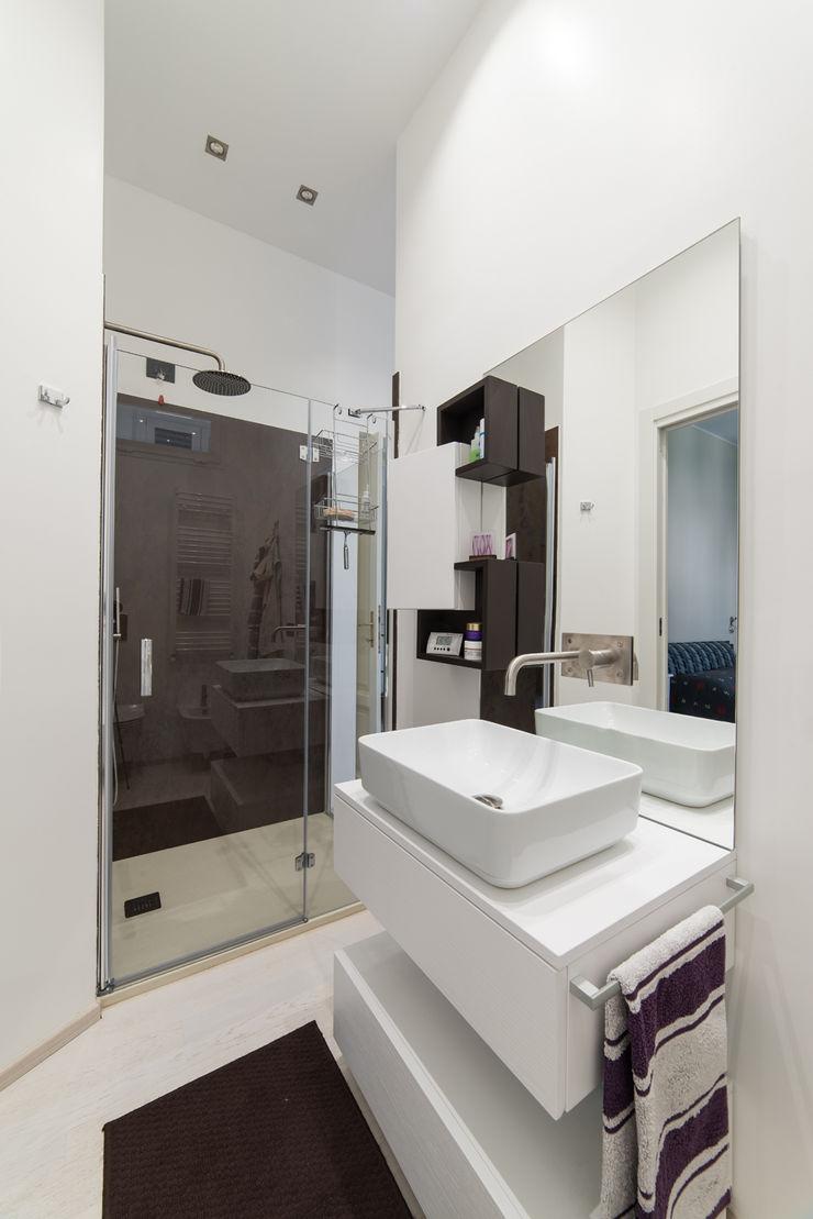 Appartamento in villa Annalisa Carli Bagno eclettico Legno Bianco