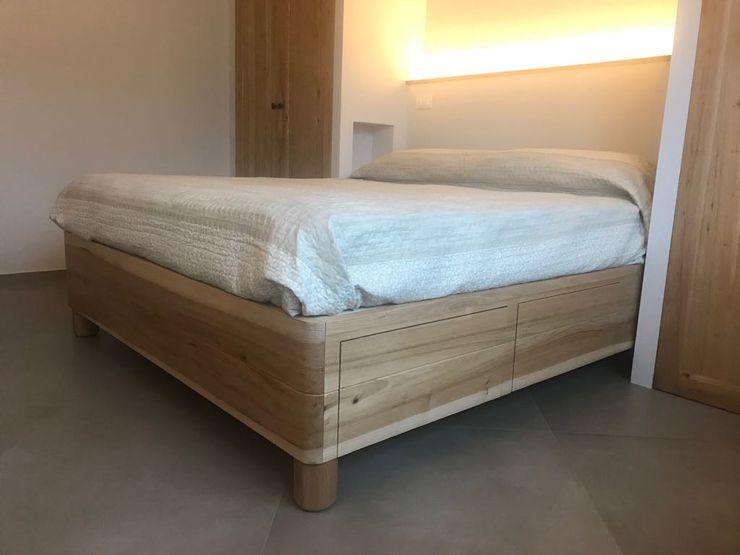 Base letto Falegnameria Martinelli Sergio Camera da letto coloniale Legno massello Trasparente