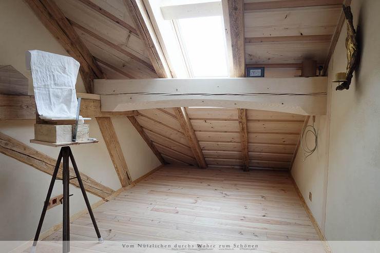 Dachausbau mit Galerie Thisalo GmbH Arbeitszimmer im Landhausstil