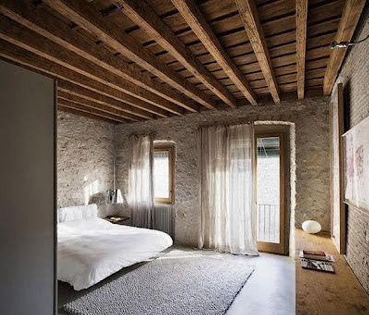 Drevo - Wood Solutions Lda Rustic style bedroom
