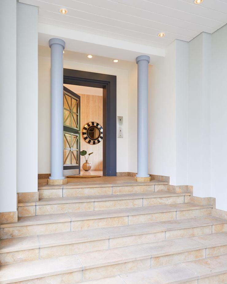 Exponierte Unternehmervilla in Bestlage - Willkommen Tschangizian Home Staging & Redesign Villa