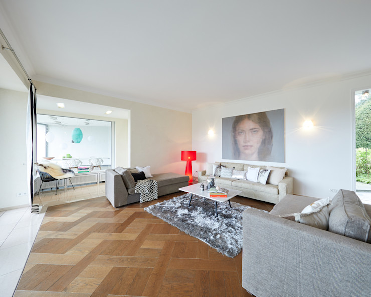 Exponierte Unternehmervilla in Bestlage - Erholen Tschangizian Home Staging & Redesign Klassische Wohnzimmer