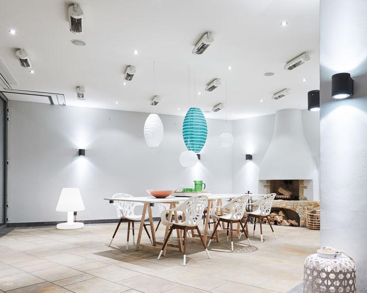 Exponierte Unternehmervilla in Bestlage - Gesellschaft Tschangizian Home Staging & Redesign Moderne Esszimmer