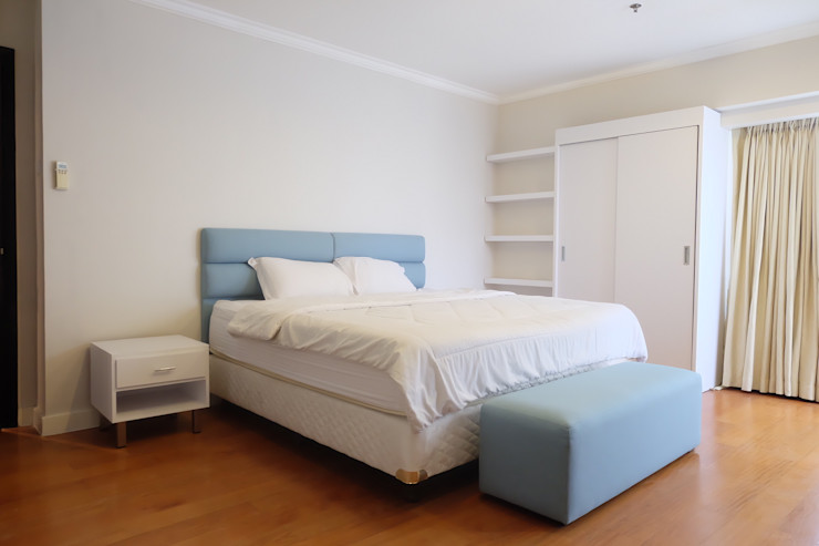 homify BedroomBeds & headboards Kayu Lapis White