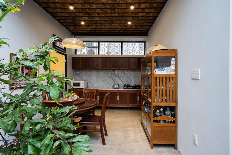 Nhà NỬA MÁI AD+ Nhà bếp phong cách châu Á
