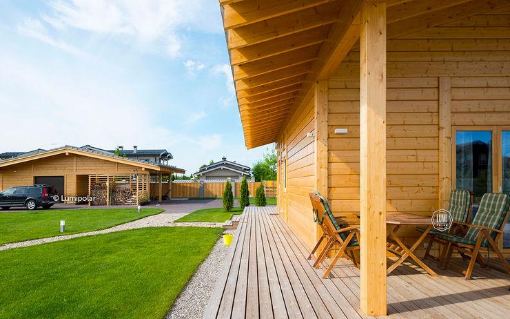 Небольшая терраса, где можно расположиться летом LUMI POLAR Балкон в скандинавском стиле