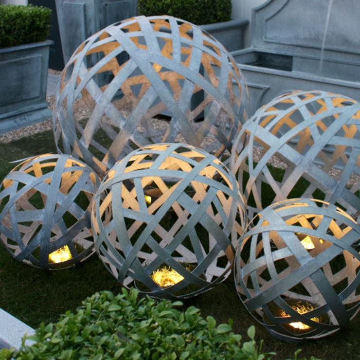 Zinc Lattice Balls homify Classic style garden Aluminium/Zinc