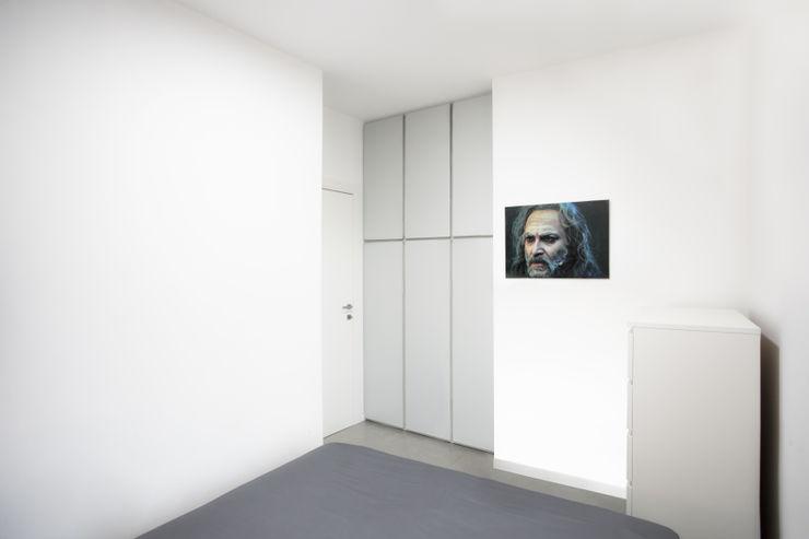 Casa-Cannocchiale MAMESTUDIO Camera da letto minimalista