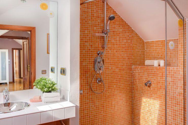 MORANDO INMOBILIARIA Rustic style bathroom