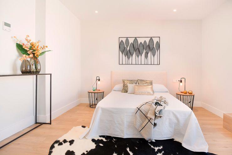 Dormitorio principal Markham Stagers Dormitorios de estilo moderno