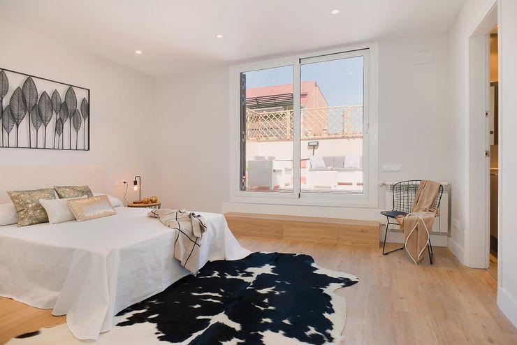 Dormitorio principal Markham Stagers Dormitorios de estilo moderno Blanco