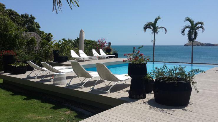 Casa de Playa Design Group Latinamerica Garden Furniture