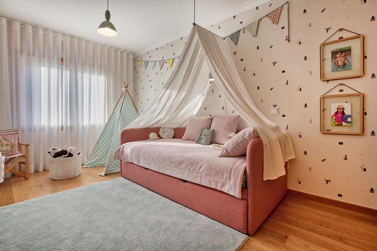 Quarto de menina ShiStudio Interior Design Quarto de criançasCamas e berços