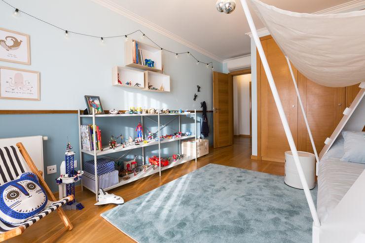 Quarto de menino ShiStudio Interior Design Quarto de criançasArmazenamento