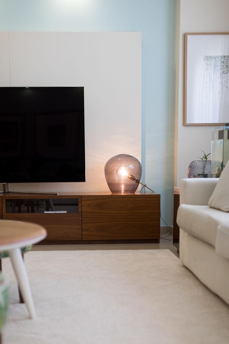 Sala piso 0 ShiStudio Interior Design Sala de estarAcessórios e Decoração