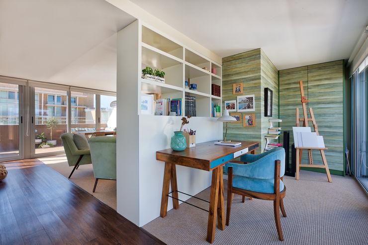 Zona de trabalho piso 1 ShiStudio Interior Design EscritórioAcessórios e decoração