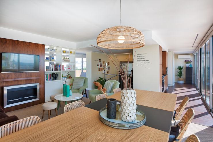 Sala piso 1 ShiStudio Interior Design Sala de jantarAcessórios e decoração