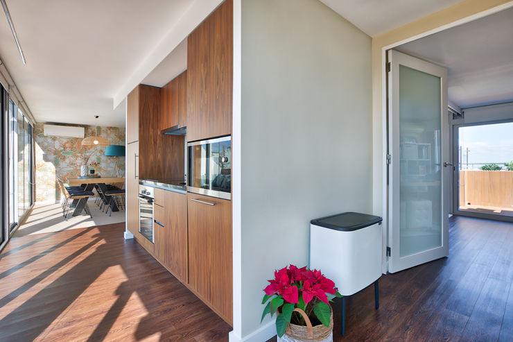 Cozinha piso 1 ShiStudio Interior Design CozinhaBancadas
