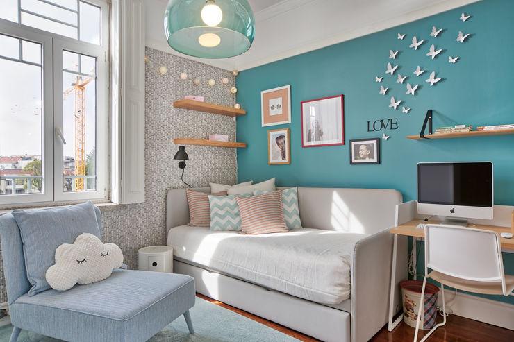 Quarto criança - vivenda em S. Mamede - Projeto de interiores Shi Studio - Matosinhos, Porto ShiStudio Interior Design Quarto de criançasCamas e berços