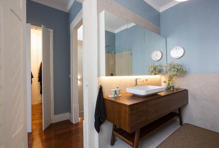 WC - vivenda em S. Mamede - Projeto de interiores Shi Studio - Matosinhos, Porto ShiStudio Interior Design Casa de banhoPia