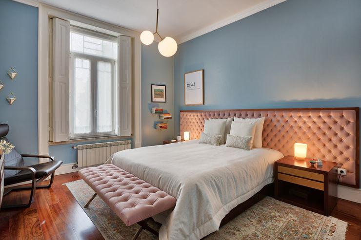 Quarto casal - vivenda em S. Mamede - Projeto de interiores Shi Studio - Matosinhos, Porto ShiStudio Interior Design Quartos escandinavos Azul