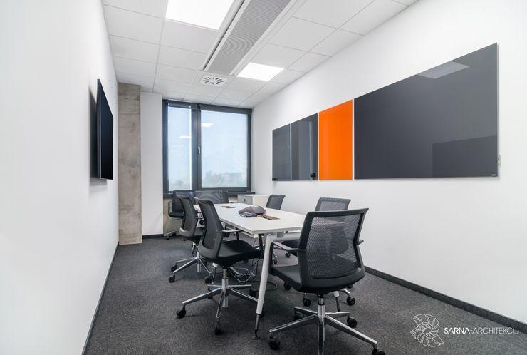 biuro, sala szkoleniowa SARNA ARCHITECTS Interior Design Studio Biurowce