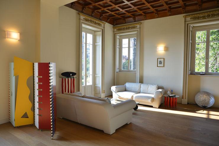 Villa d'Epoca Tamara Gerosa Soggiorno classico Legno Bianco