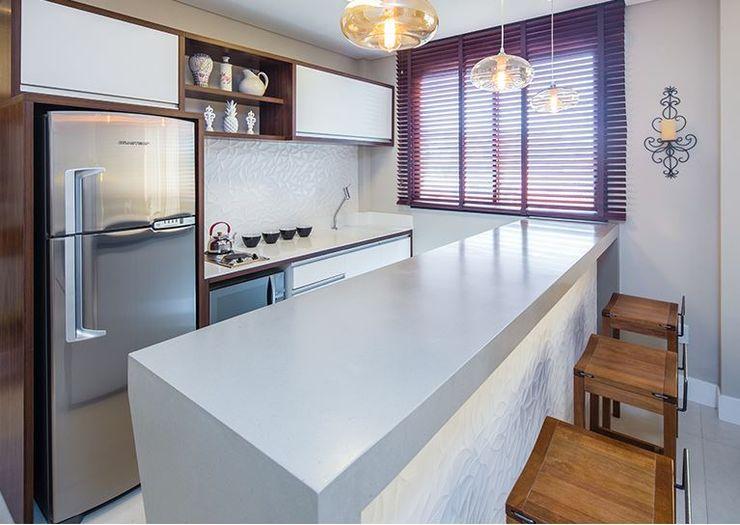 cozinha de apoio Duplex Mariscal ALA Arquitetura e Interiores Armários e bancadas de cozinha Cinza