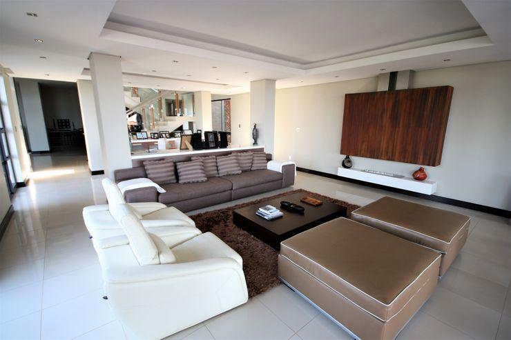 Living room Nuclei Lifestyle Design Modern living room Brown