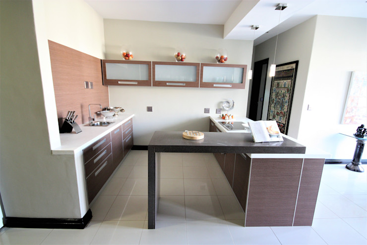 counter of the kitchen Nuclei Lifestyle Design Built-in kitchens Beige