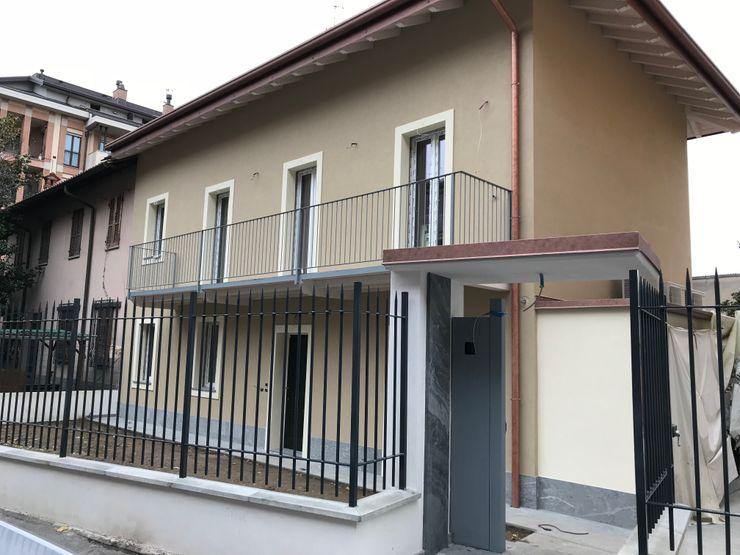 Facciata ingresso su strada Cozzi Arch. Mauro Casa unifamiliare