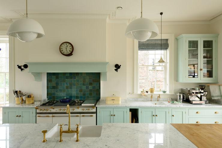 deVOL Kitchens Cuisine classique Bois massif Bleu