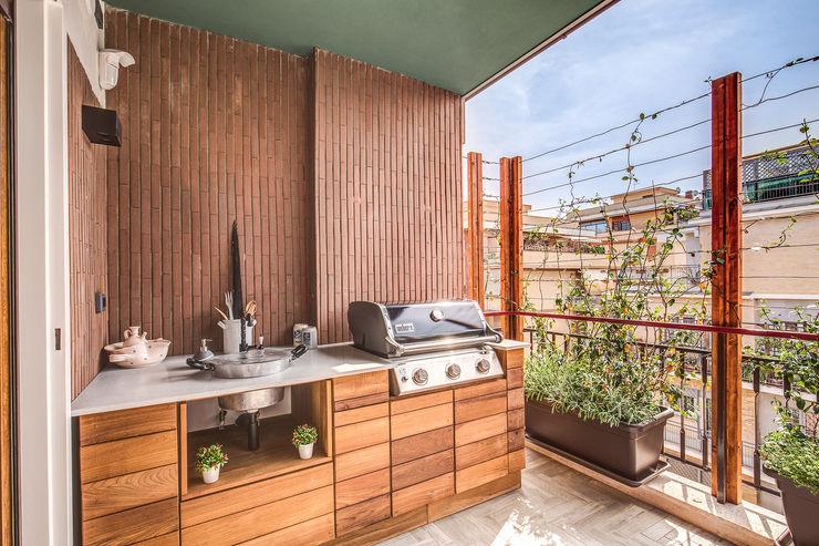 ISIDORO MOB ARCHITECTS Balcone, Veranda & Terrazza in stile moderno
