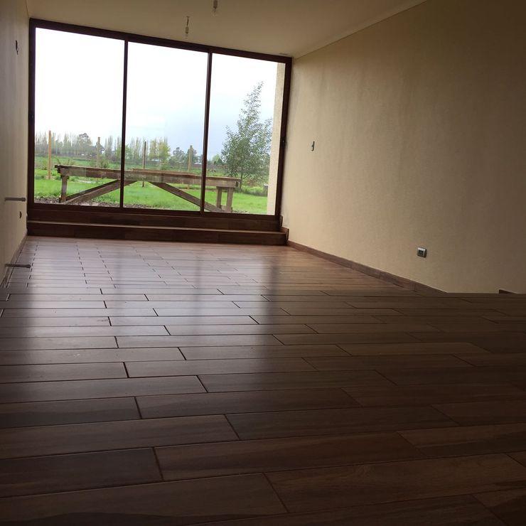 Constructora Rukalihuen Mediterranean style living room