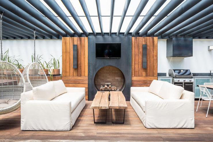 Foto Property Modern Terrace Wood effect